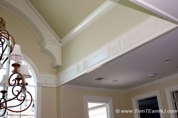 p029. Foyer. Cathedral ceiling trim and decorative strip. Scotch ...