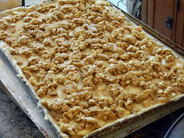 Apple Crumble Slab Pie | Eat A-to-Z Healthy Recipe Challenge | Pinter ...