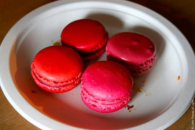 perfect macarons le zoe musings violet macarons w violet and vanilla ...