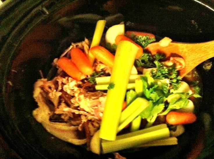 Slow cooker chicken stock