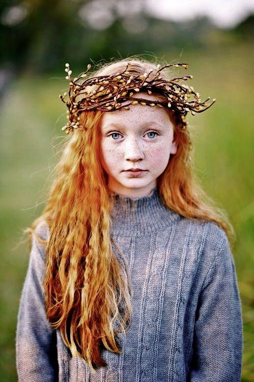 девушка с имбирным цветом волос