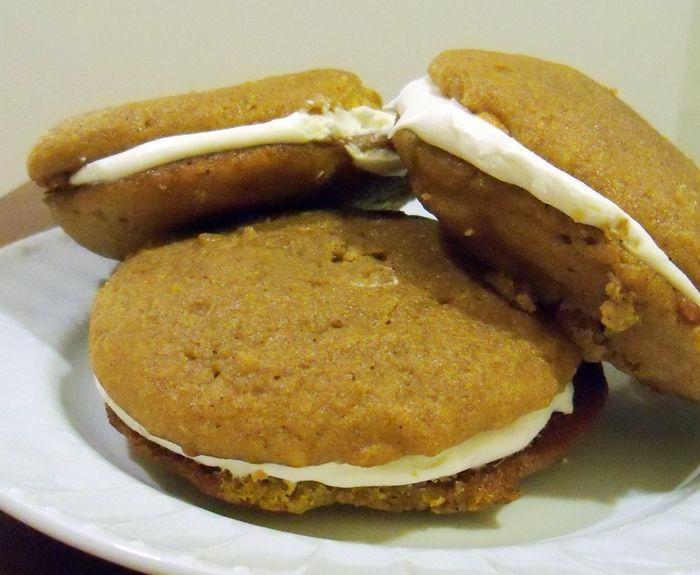 Pumpkin Whoopie Pies...these look scrumptious