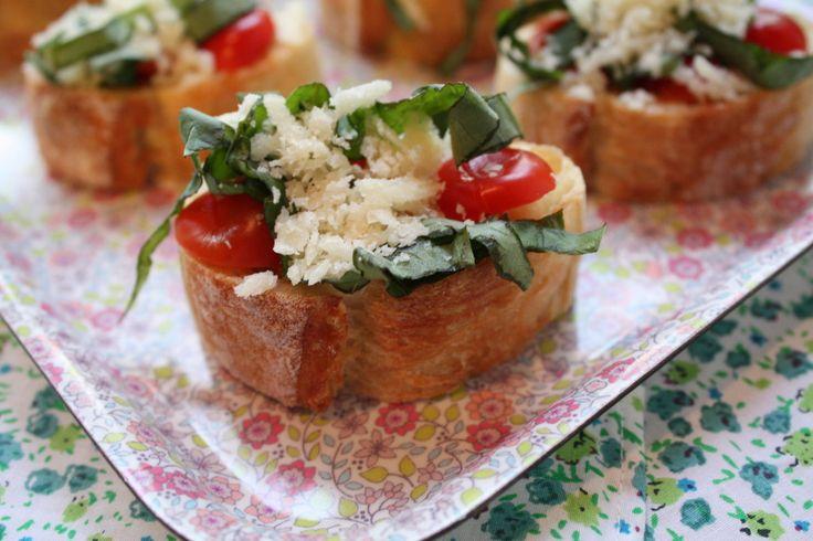 Tomato Basil Crostini | Italy | Pinterest