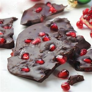 Chocolate-Pomegranate-Ginger Bark Recipe — Dishmaps