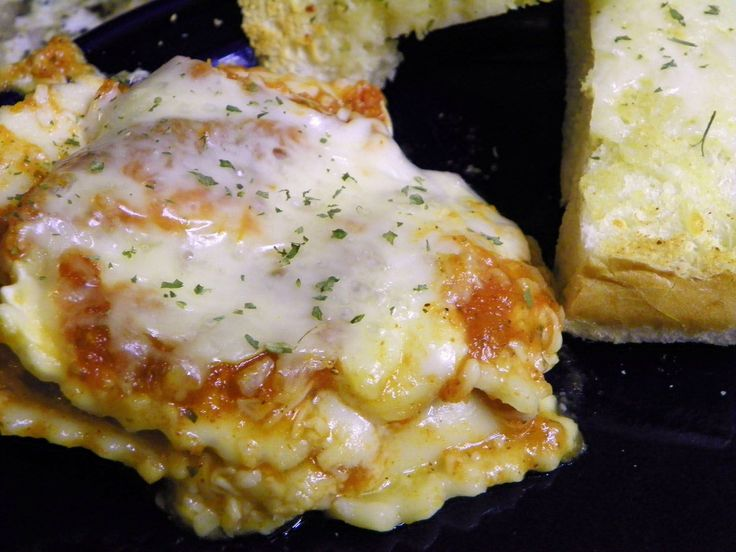 easy slow cooker lasagna with ravioli spaghetti sauce and mozzarella ...