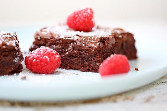 Fudgy Chocolate Brownies | food | Pinterest
