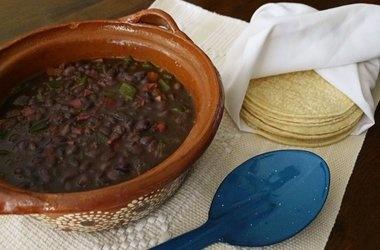 Poblano and Bacon Bountiful Black Bean Soup