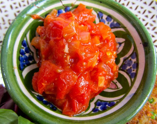 ... hoi an wontons with spicy tomato sauce mussels in spicy tomato sauce