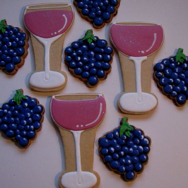 Wine and grape cookies made by debzj@embarqmail.com. Gorgeous!