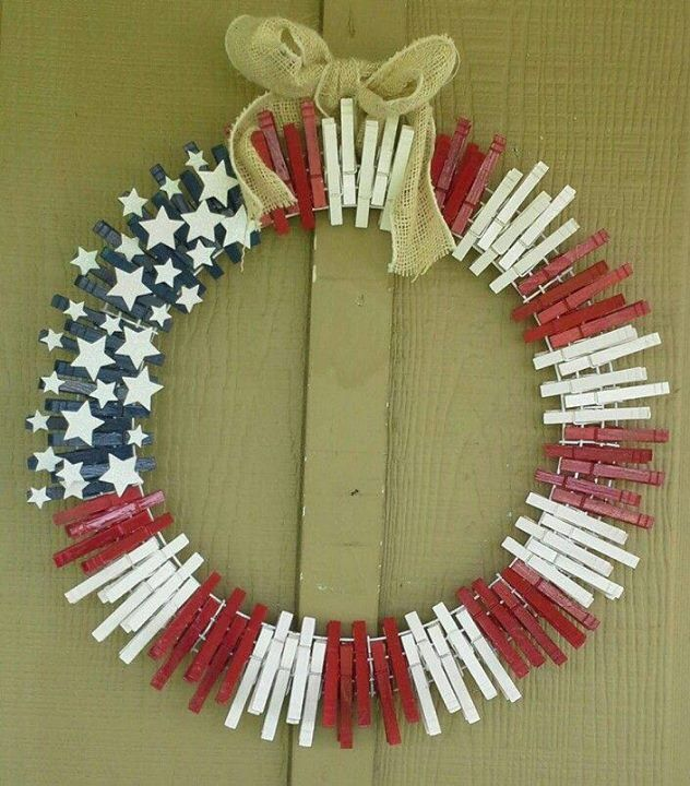 Patriotic wreath with clothespins crafts for adults for Clothespin crafts for adults