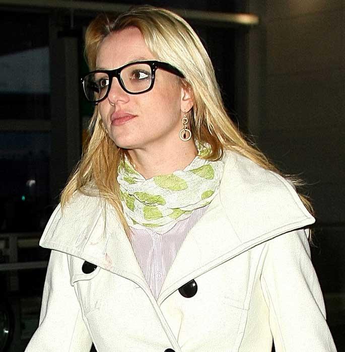 Britney Spears in Stylish Glasses   Eye Wear Fashion   Pinterest Britney Spears