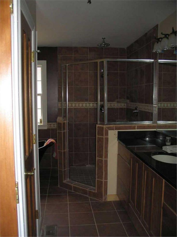 house plan 170 2796 shower in master bath