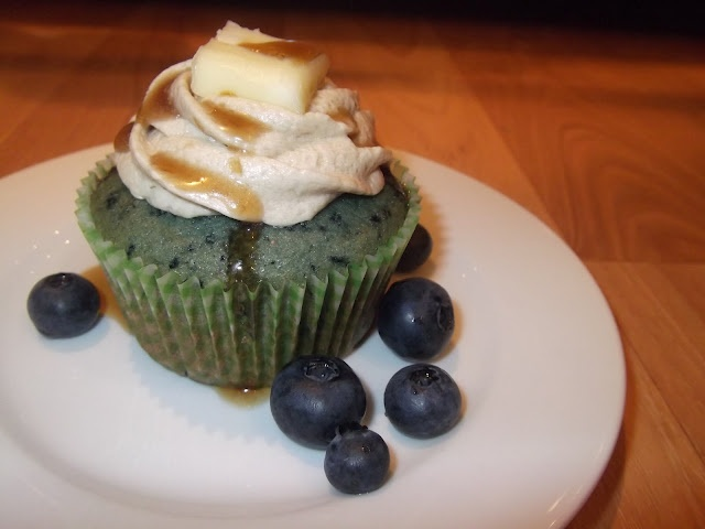 Blueberry Pancake Cupcakes   Cupcakes   Pinterest