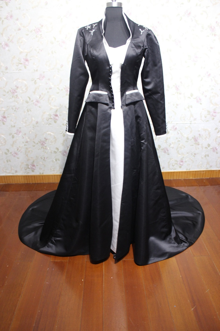 Gothic black and white long sleeves chapel wedding dress for Black and white wedding dresses with sleeves