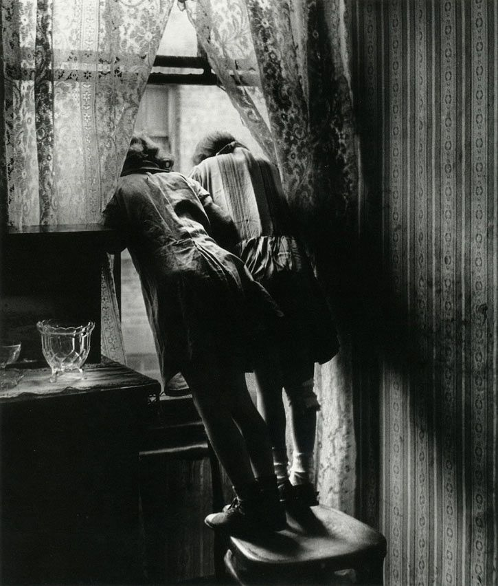 Bill brandt beloved photos pinterest for Window in german
