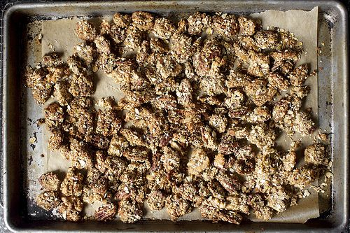 granola-crusted nuts | sweet | Pinterest