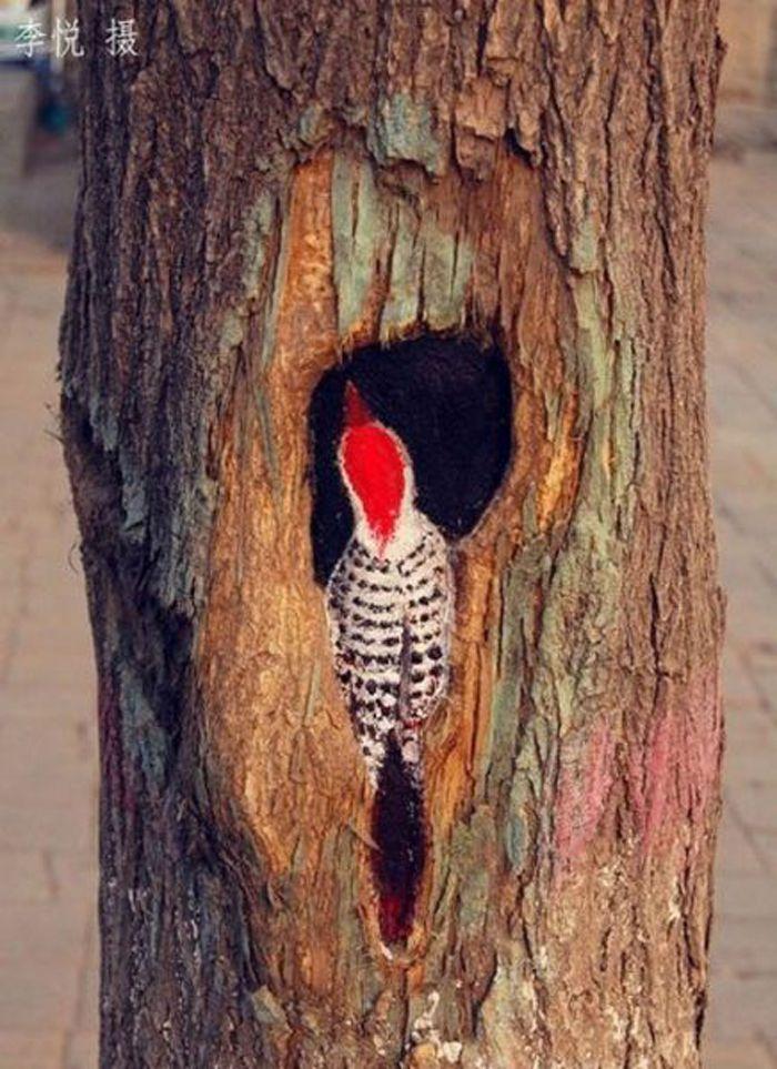 Painting on tree trunks art pinterest for Tree trunk art
