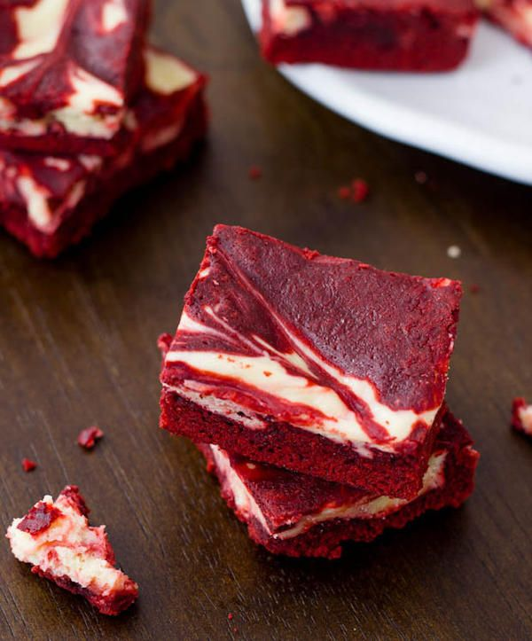 Red Velvet Cheesecake Swirl Brownies | Get into my belly | Pinterest