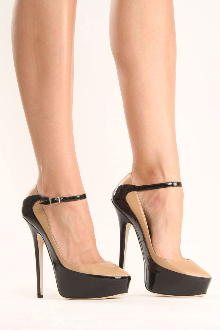 JIMMY CHOO Siskin Pump in Nude and Black