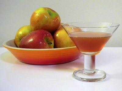 Apple Pie Cocktail: Light Rum, Sweet Vermouth, Apple Brandy, Grenadine ...