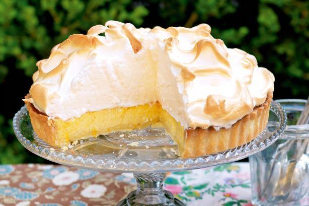 Orange meringue pie main image | Yumm Food | Pinterest