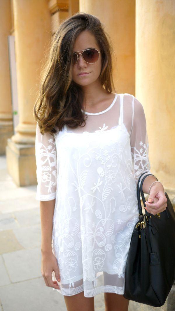 White Lace & Black Bag ♥