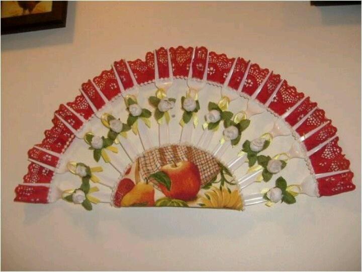 Abanico con tenedores de pl stico ideas originales - Manualidades con tapones de plastico ...