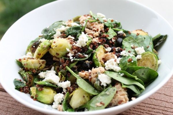 Spinach Quinoa Salad With Roasted Grapes, Pears, & Almonds ...