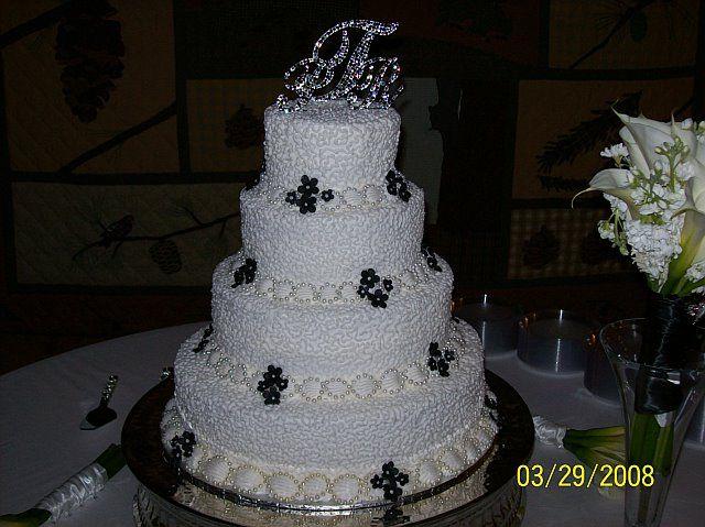 Similiar Walmart Two Tiered Wedding Cakes Keywords