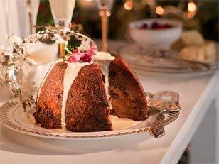 Steamed Christmas pudding with figs and prunes