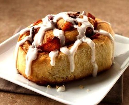 Maple Bacon Cinnamon Rolls Recipe | To eat | Pinterest