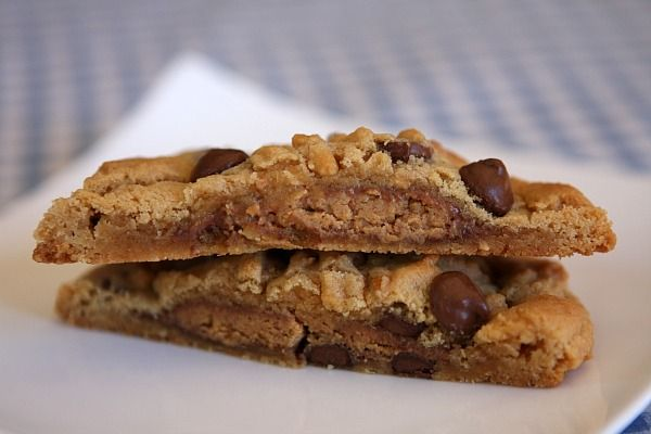 reeses stuffed peanut butter chocolate chip cookies! I am so making ...
