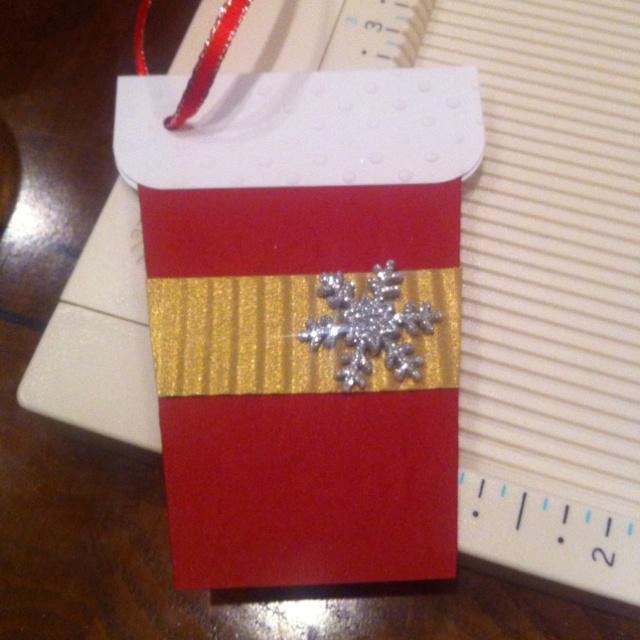 Holiday gift tag