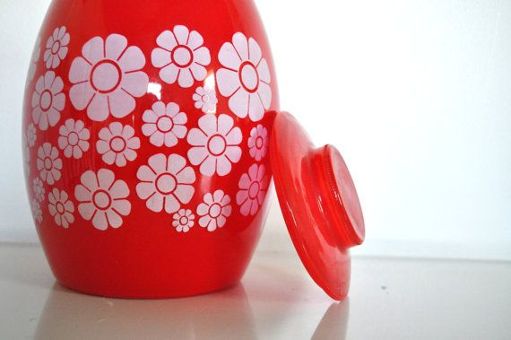 Cookie jar. Bright, vintage, and fun.