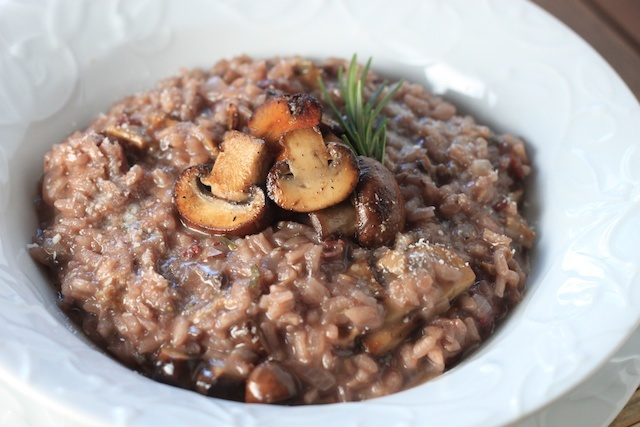 red wine and mushroom risotto. i want to try this!