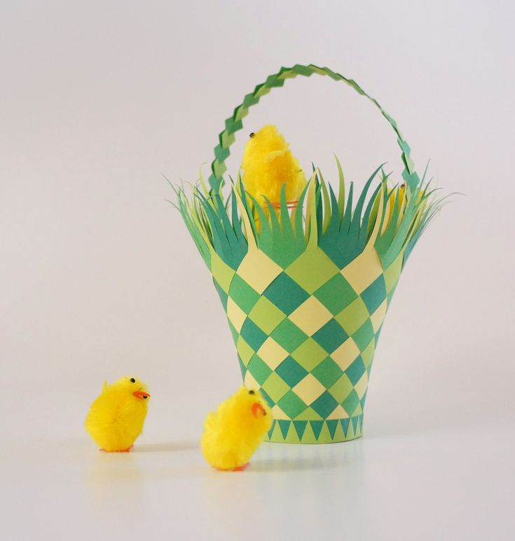 How To Weave A Simple Easter Basket : Easter basket paper weaving craft scrapbooking