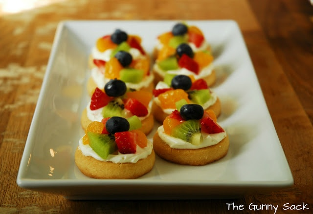 Mini Fruit Pizza | The Gunny Sack ( w/ shortbread cookies)