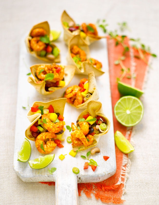 Cajun prawns with avocado, mango and black bean in tostados