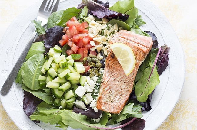 Skinny Mom Pan-Seared Salmon Citrus Salad. Delicious. Another good way ...