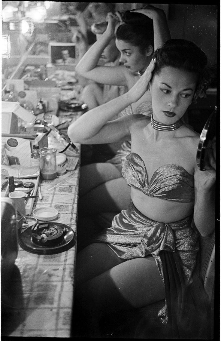 Showgirls at the Copacabana Club, New York City 1948 (Picture by Stanley Kubrick)