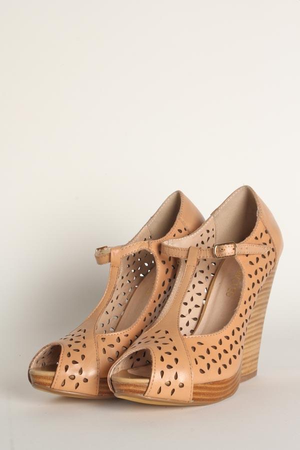 Restricted Footwear - Paula