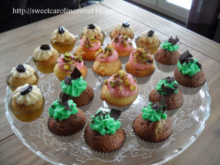 Mini-cupcakes: - white chocolate, raspberry and pistachio - dark ...