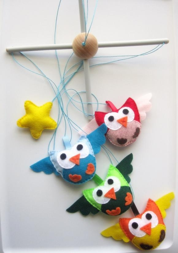 Girly owl nursery : Owl nursery mobile