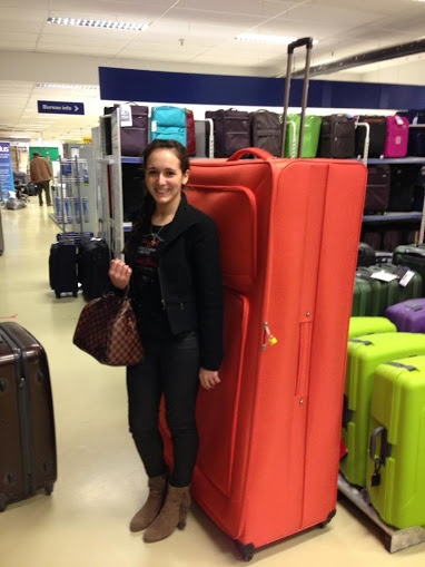 Giant Suitcase Funny Pictures Blog Pinterest