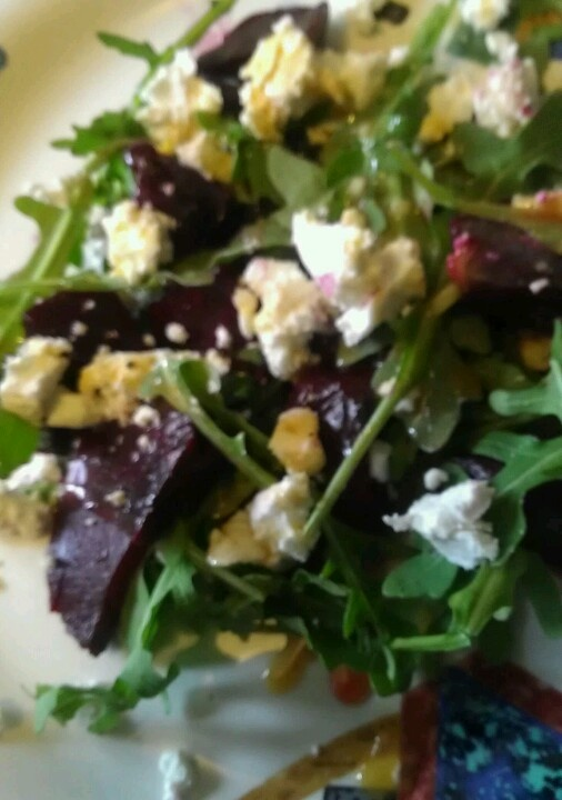 Roasted beet and arugula salad with goat cheese