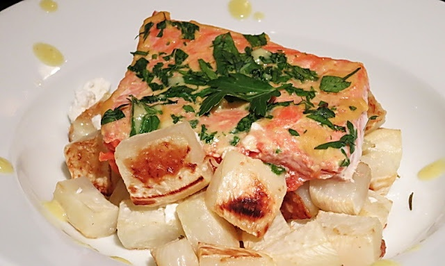 Gour-Maybe salmon with roasted turnips