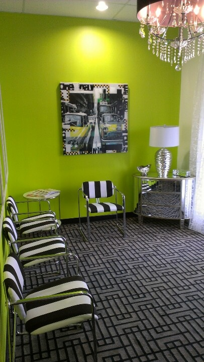 Ideas for decorating chiropractic waiting room joy for Waiting room interior design ideas