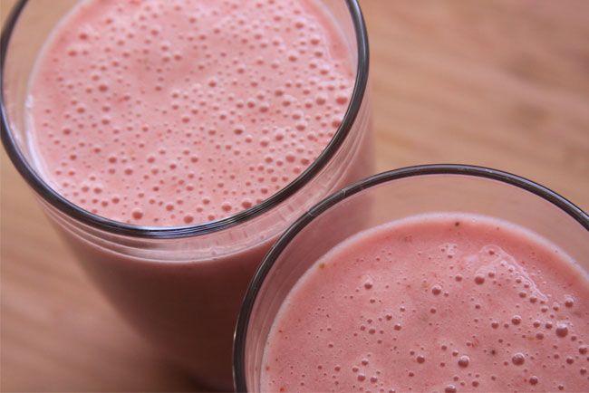 Strawberry Banana Coconut Milk Smoothie | Bev | Pinterest