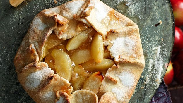 Rustic apple pie -Just made this pie, very easy. Beautiful with ...