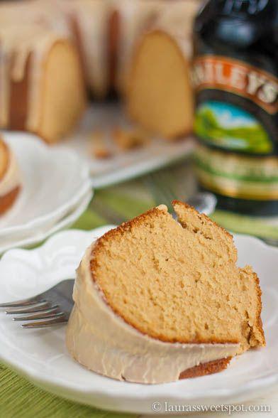 AMAZING Bailey's Irish Cream Pound Cake! With Bailey's icing too : ) ...